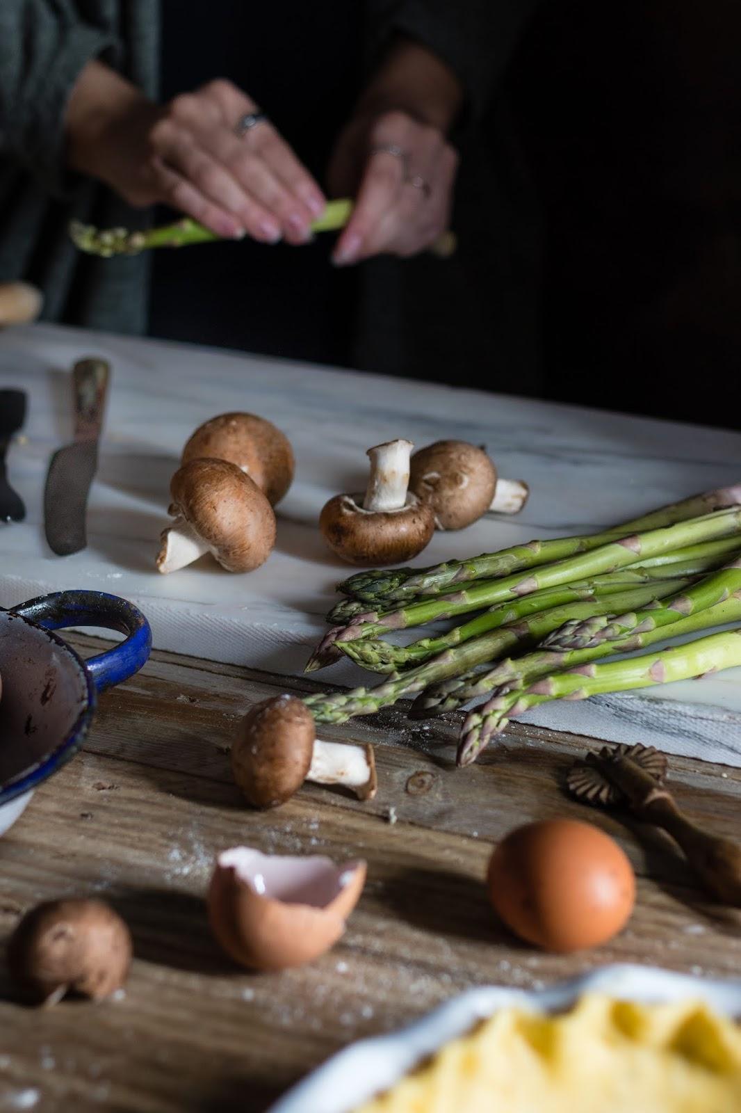 tarte de espargos e cogumelos