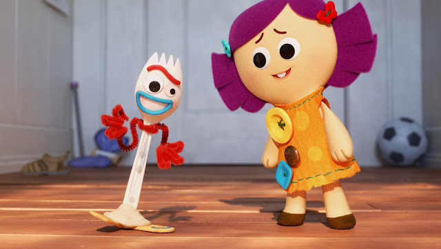 Forky and Dolly in What is a Leader