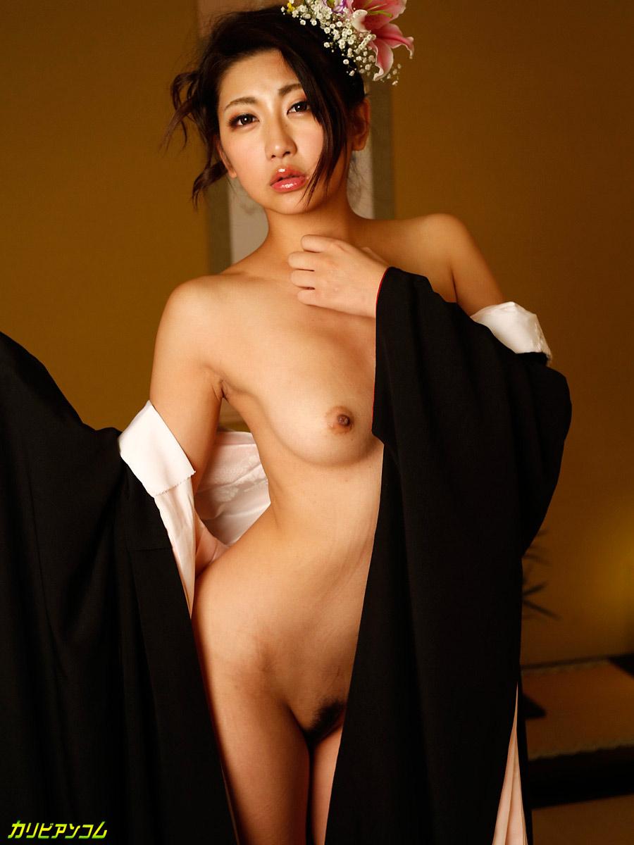 yuna shiratori sexy naked pics 04