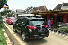 Warga Kampung Miliarder Tuban Belajar Nyetir Mobil Mewah