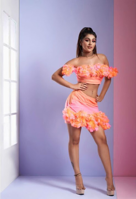 20+ Actress Shalini Pandey latest hot HD wallpaper