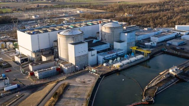 Francia cerrará su planta nuclear más antigua en frontera alemana