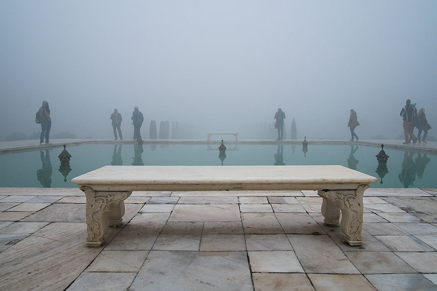 "This Photographer Points His Camera The ""Wrong"" Way At The World's Most Visited Locations - Taj Mahal, Agra, India"