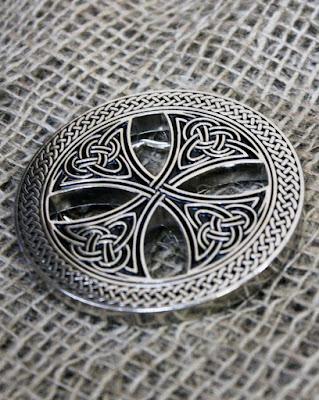 Boucle avec croix Celtique   Salon du Ranch - Achetez en ligne 46a8ce35e18