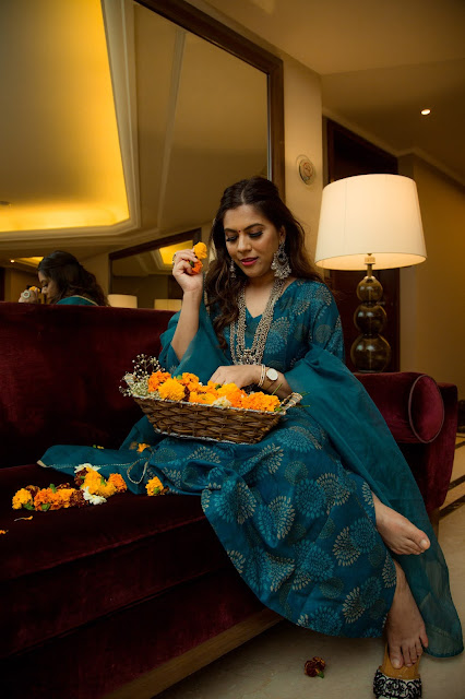 fashion, indian wedding look, mehndhi outfit, silver jewery, indian wedding lookook, cheap suits online