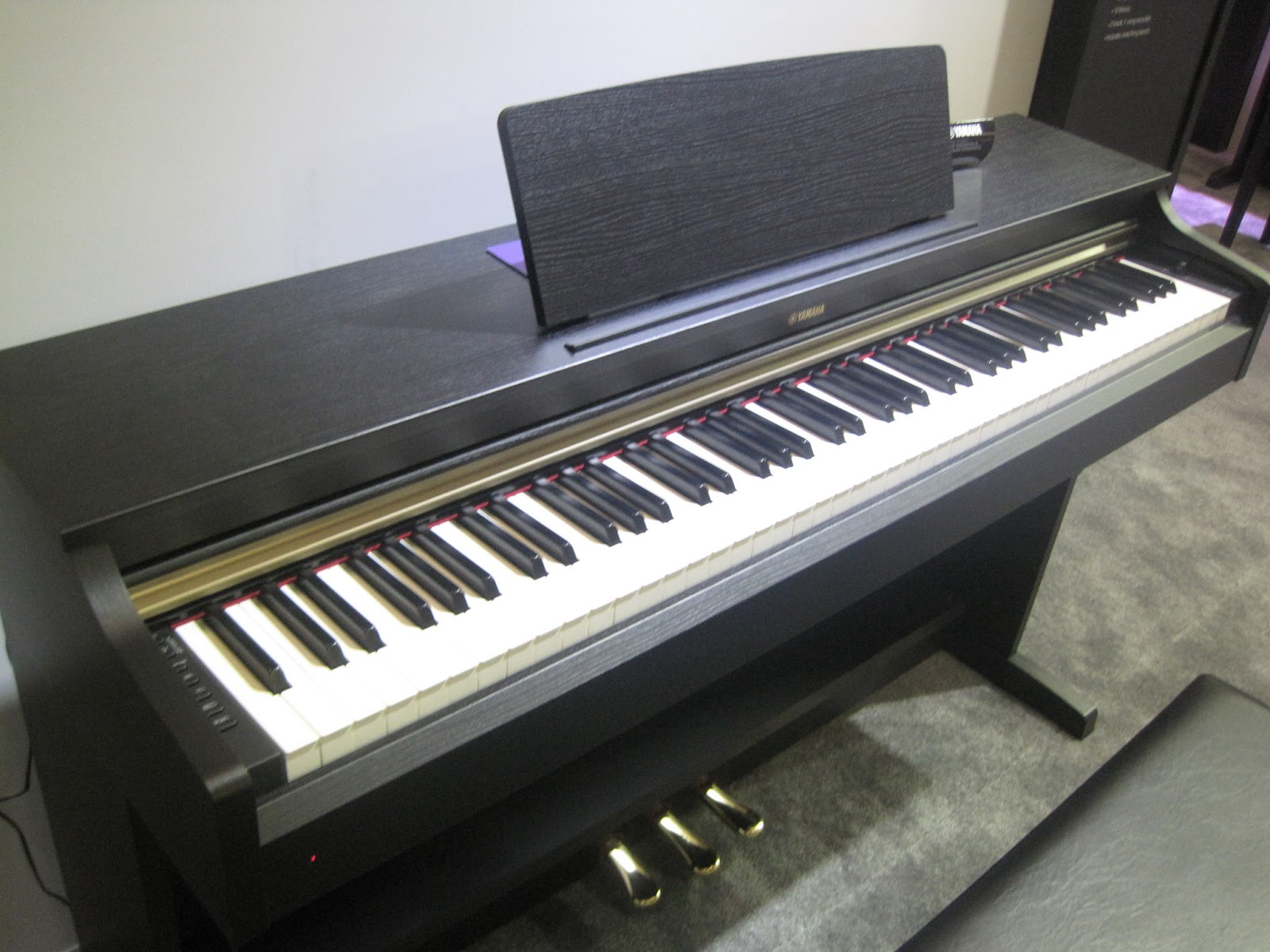 Az Piano Reviews Reviews Digital Pianos Under 2500