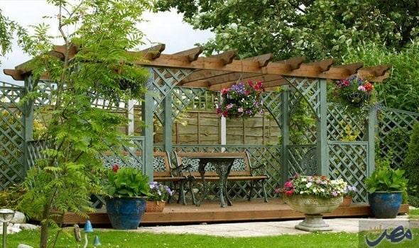 تصميم جلسة منزلية في الحديقة 2020 مع مظلة خشبية