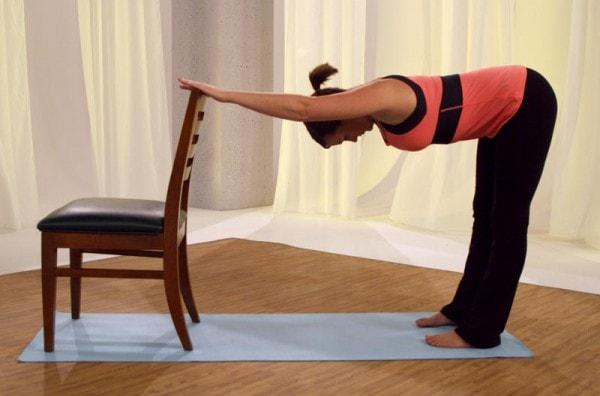 Tứ thế trên ghế ( Bài tập Yoga Uttana Shishosana )