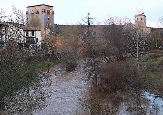 imagen_burgos_covarrubias_torreon_doña_urraca_medieval_vistas_arlanza