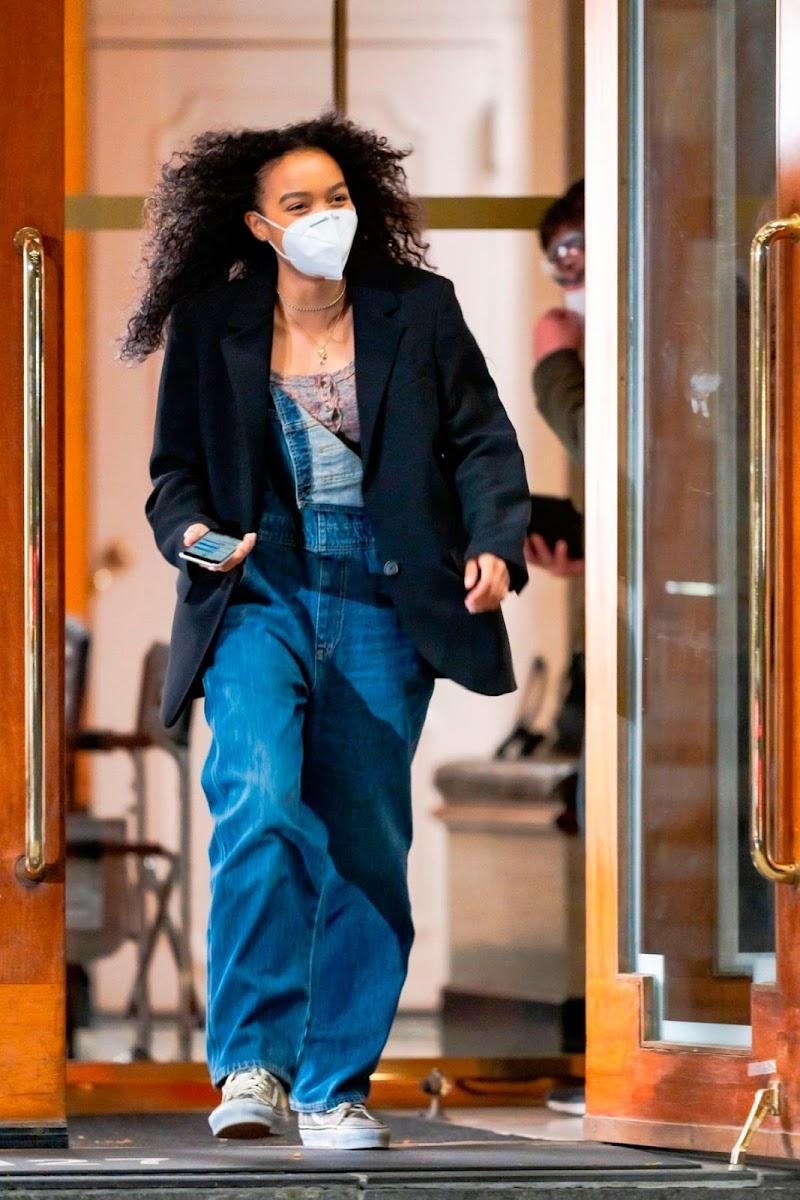 Whitney Park on the Set of Gossip Girl in New York  13 Nov-2020