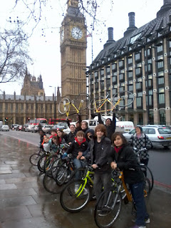 Cyclists outside parliament on lambethcyclists.org.uk