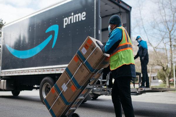 أمازون تواصل تعميم وسائل جديدة لمراقبة عمال التوصيل