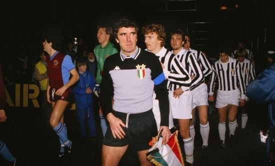 Dino Zoff dẫn dắt Juventus suốt 11 năm.