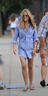 Jennifer Aniston's Feet and Legs Pictures