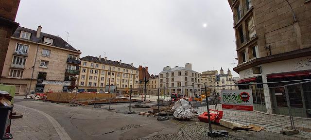 La Place Saint-Germain quand on vient de la Place de la Mairie (21 Février 2021)