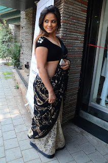 Neetu Chandra in Black Saree at Designer Sandhya Singh Store Launch Mumbai (25).jpg