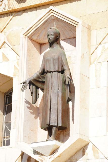 פסל בכנסיית הבשורה