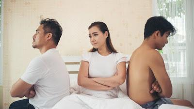 Bosan WikWik Sama Suami, Istri Ajak trisome Selingkuhannya di Rumah