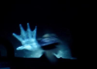 putri-duyung-di-dasar-laut.jpg