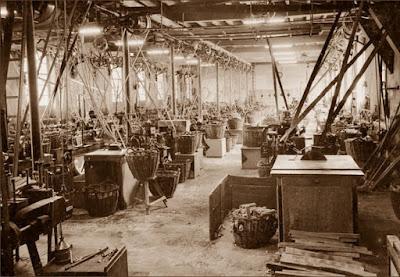 Interior de la Tornería Vidal, años 30