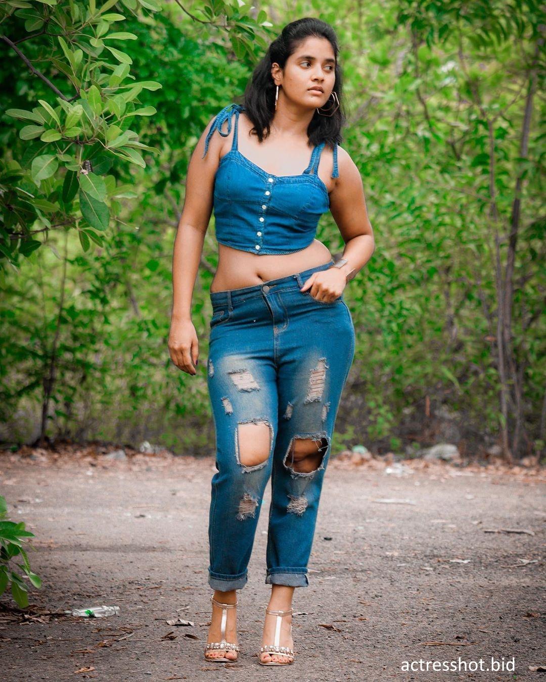 Soumya Shetty Latest Sexy Photos