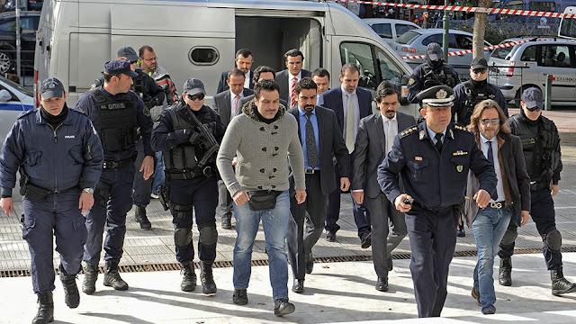 «Επιχείρηση Αστραπή» για τους 8 Τούρκους