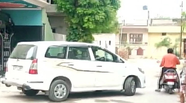 News, New Delhi, National, CBI Raid, Sand mining case: CBI raids former UP minister Gayatri Prajapati's residence