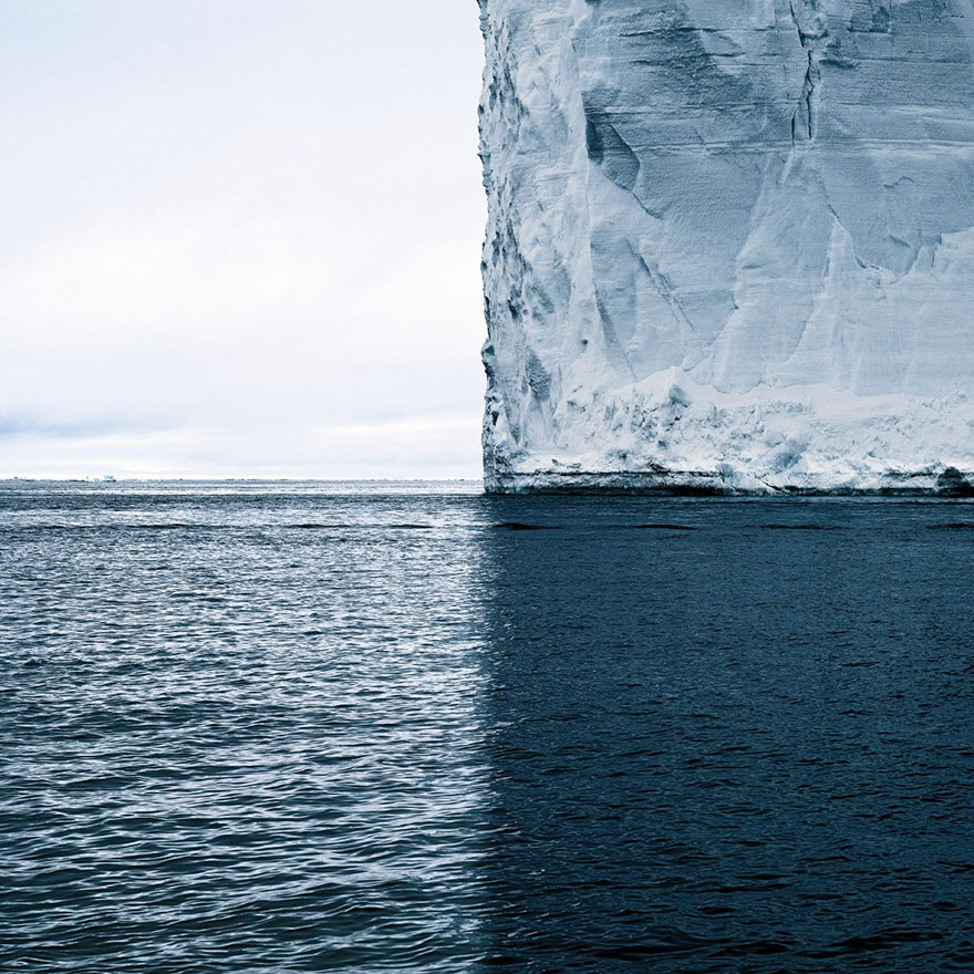 Breathtaking Photoshot Of Enormous Iceberg Reveals Its Beautiful Symmetry