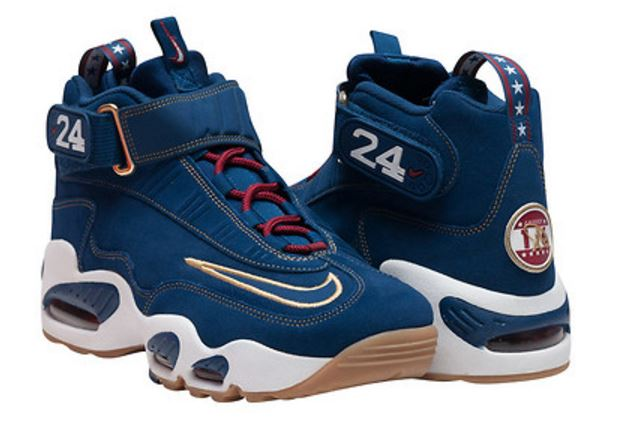d5440345a3 THE SNEAKER ADDICT: Nike Air Griffey Max 1 QS
