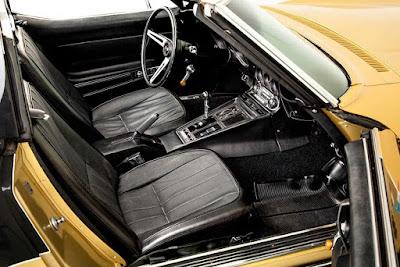 Astrovette Interior