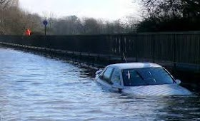 If your car is drowned in flood, then know how you will get the benefit of motor insurance