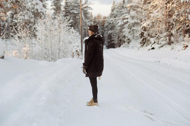 das prachtvolle winterkleid, die Zeit, Freude, Himmel, Natur, Schnee, Stille, Winter, jahreszeiten, wärme, kekse backen, punch trinken, glühwein, winterliche stimmung, weihnachten, fest, lichter der stadt, geschmückt, winterzeit, wintersport, die natur schläft, schneebedeckt, texte schreiben, poesie blog, poetisch, lyrik, gefühle, gedanken, bild, photo