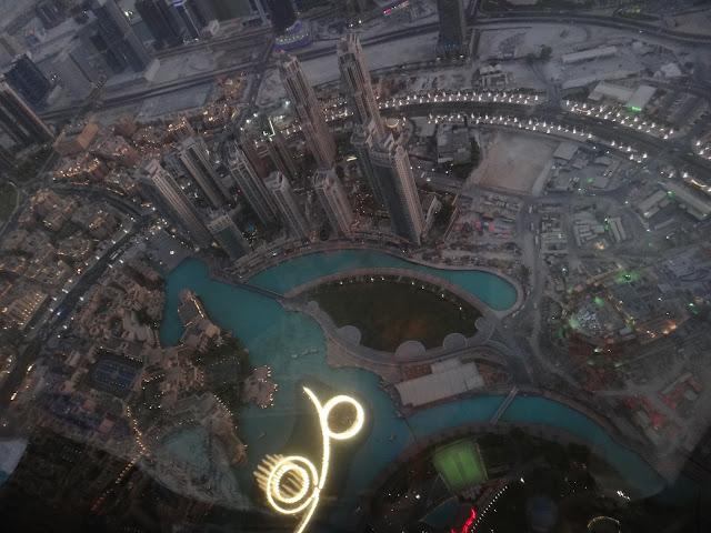 Dancing fountain dari menara tertinggi di dunia