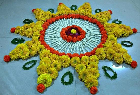 circular Different flower rangoli design