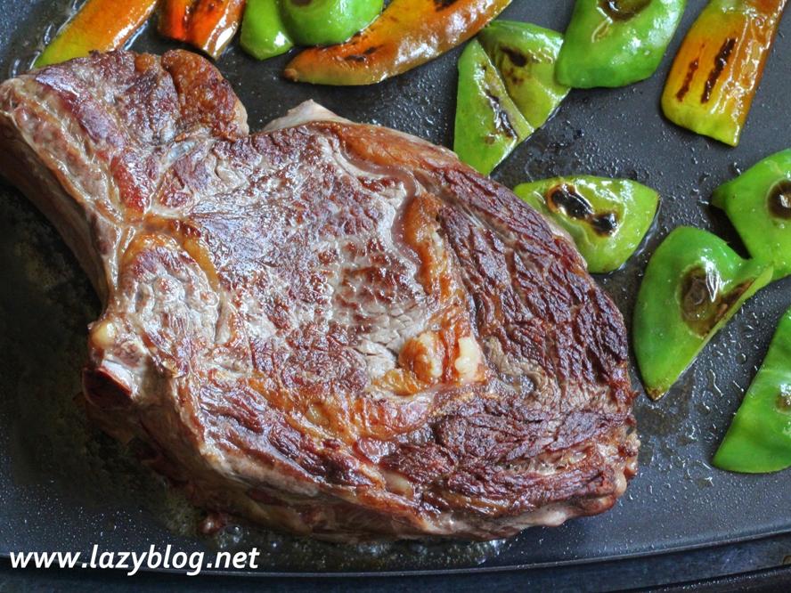 Lazy blog c mo cocinar un buen chulet n en la plancha for Como cocinar salmon plancha