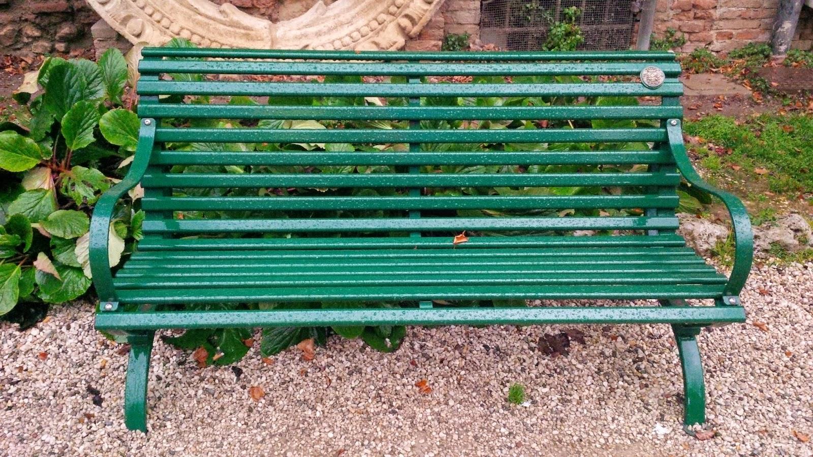 wet bench torrential rain garden Teatro Olimpico Vicenza