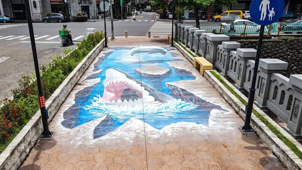 台中人行橋3D立體彩繪 藝術融入公共建設超吸睛