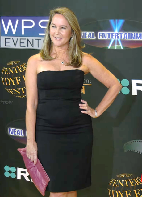 Erin Murphy Latest Hot Photos At 24th Annual Family Film Awards Red Carpet Fashion Navel Queens