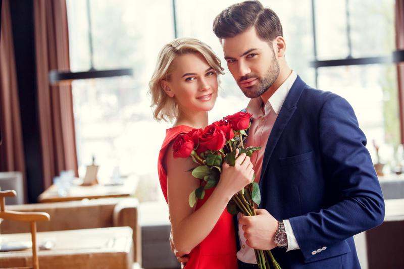 Sukienki na wesele – jak wyglądać i czuć się … perfekcyjnie?