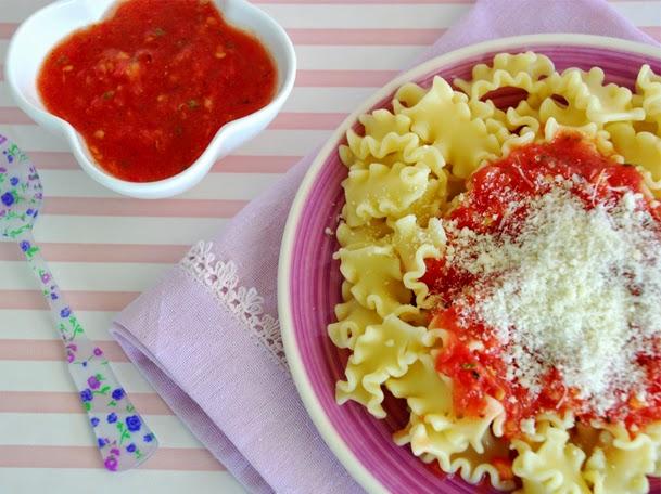 http://www.thepinkcakefactory.com/2014/09/amanida-de-pasta-amb-tomaquet-natural-i.html