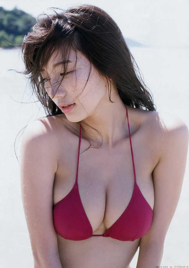 """Số đo 3 vòng chuẩn chỉ, hot girl mới 21 tuổi đã được mệnh danh là """"thiên thần bikini"""" của Nhật Bản"""