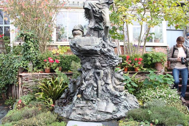sculpture at Beatrix potter world