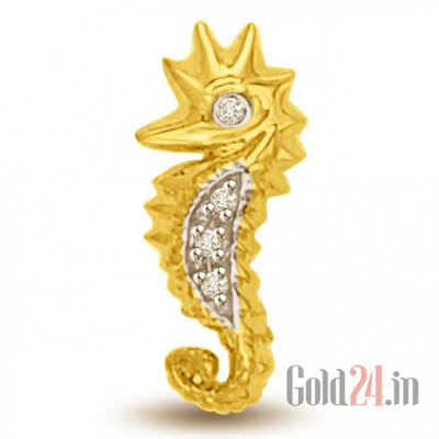 Surat Diamond Gold Pendant with Diamonds