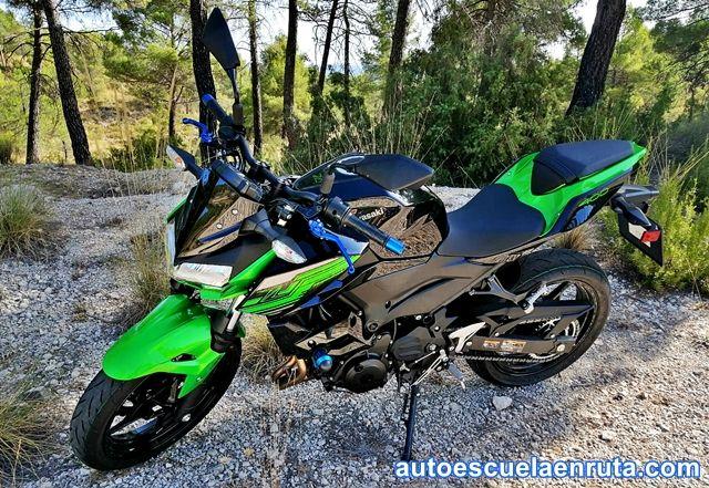 Kawasaki-Z400-autoescuelas-de-Albacete