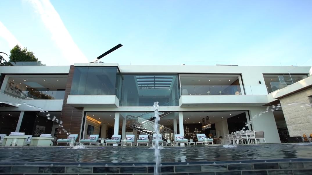 78 Interior Photos vs. Tour 924 Bel Air Road, Los Angeles, CA Ultra Luxury Mega Modern Mansion
