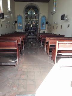 Igreja Mantriz de Nossa Senhora da Conceição no Conde amanhece alagada e assusta fiéis