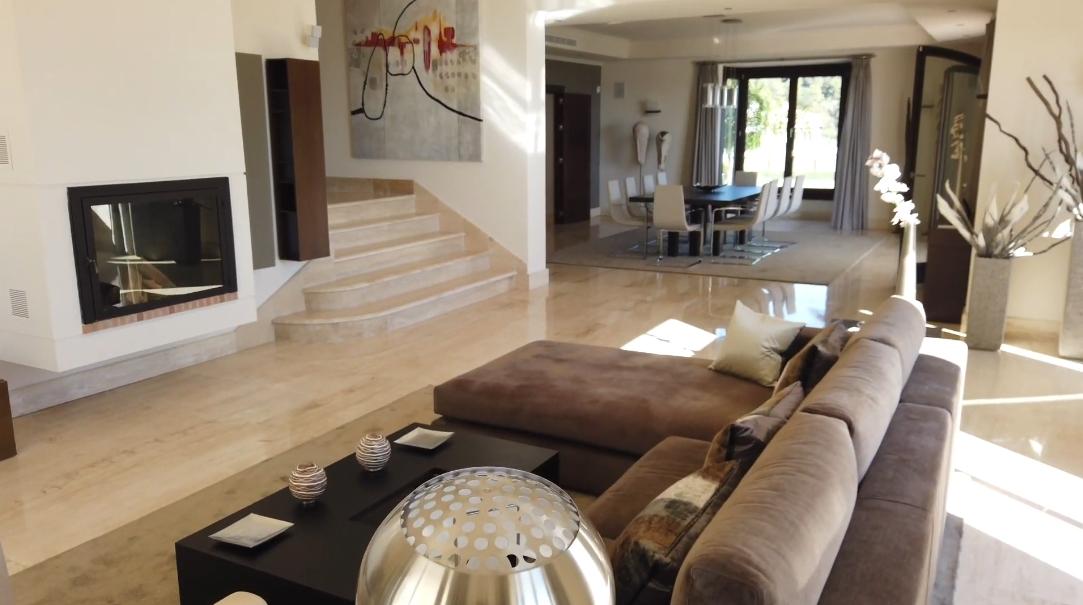 30 Interior Design Photos vs. Luxury Villa In Madroñal, Spain