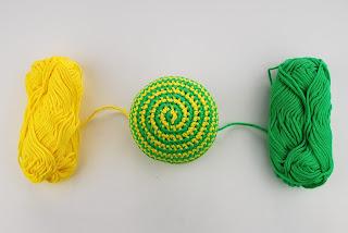 espiral-colores-ganchillo-crochet-sonajero