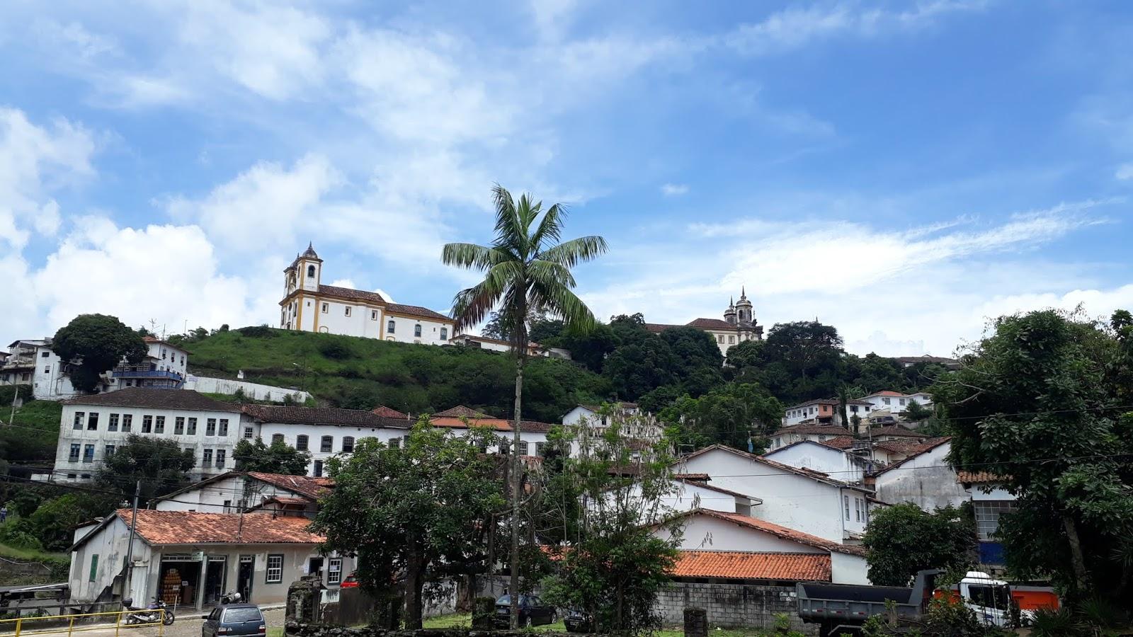 Vista para a cidade de Ouro Preto a partir da ponte de Antonio Dias