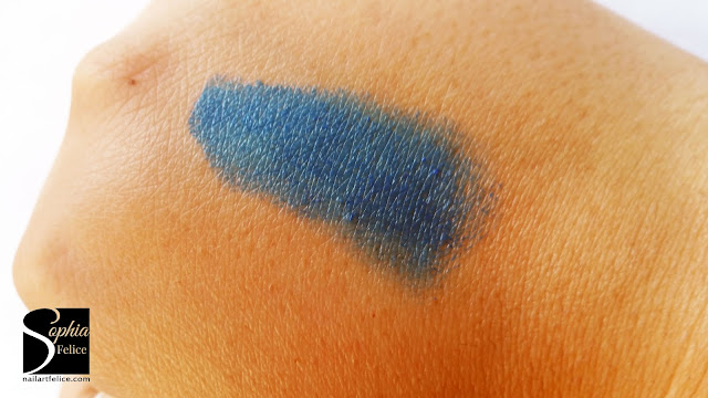 star gazer - swatch uv lip stick neon blu